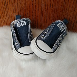 Toddler Converse sneakers. Size 5c
